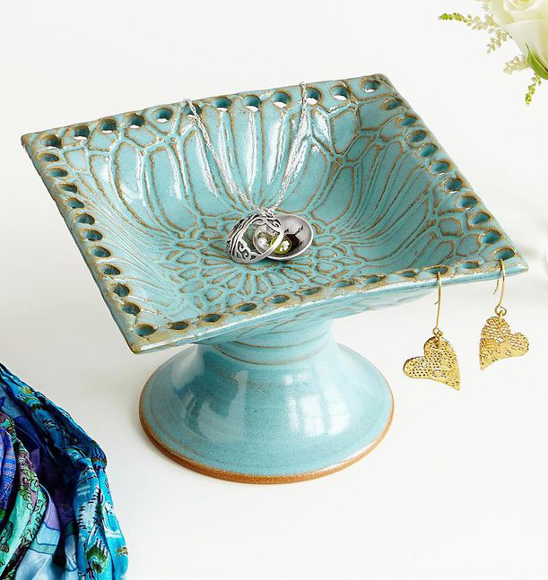 Everything Turquoise: Pedestal Jewelry Holder